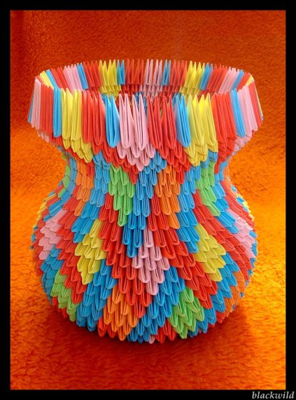origami_vase_with_ear_ver_ii_by_blackwild