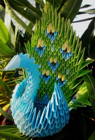 peacock___3d_origami_by_sophieekard-d5c526j
